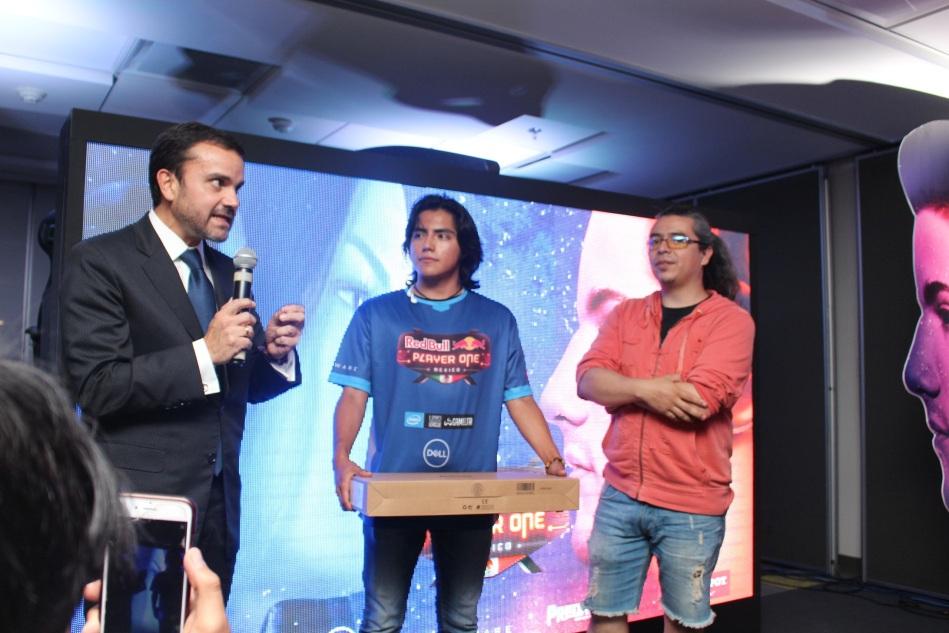Juan Franciso Aguilar, Director General de Dell EMC México, Ganador Galos y Densho (1)
