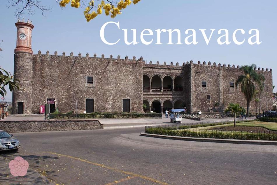 Palacio_de_Cortés_-_panoramio_副本.jpg